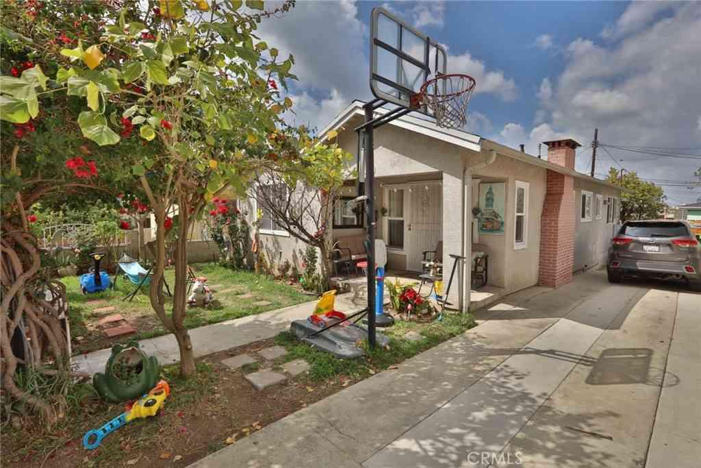 2833 Gay Street, Los Angeles, CA, 90065,