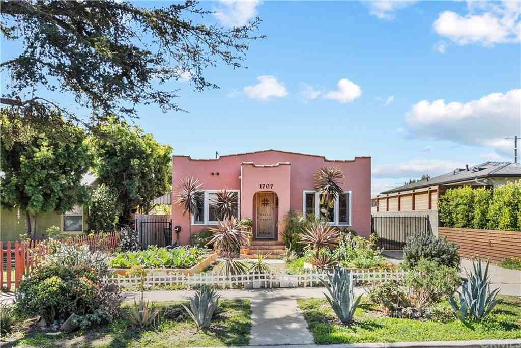 1707 S Carmelina Avenue, Los Angeles, CA, 90025,