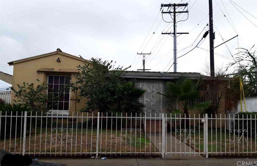 1116 E 74th Street, Los Angeles, CA, 90001,