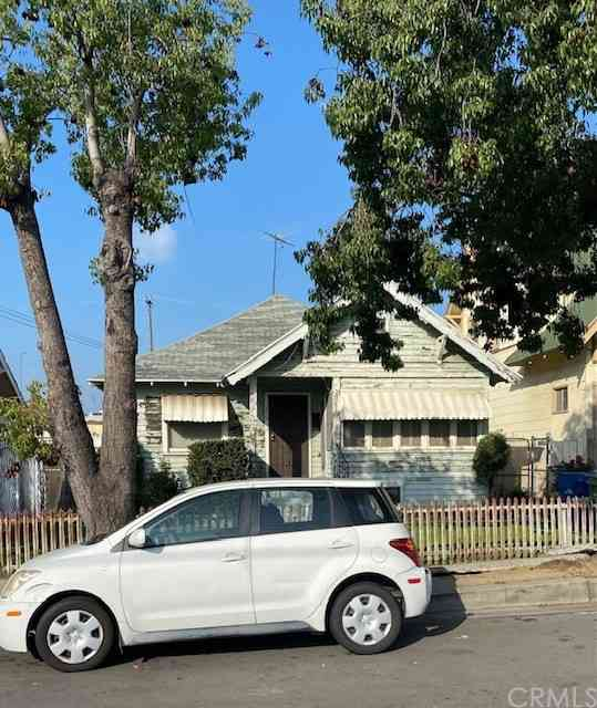 1519 West 22nd Place, Los Angeles, CA, 90007,