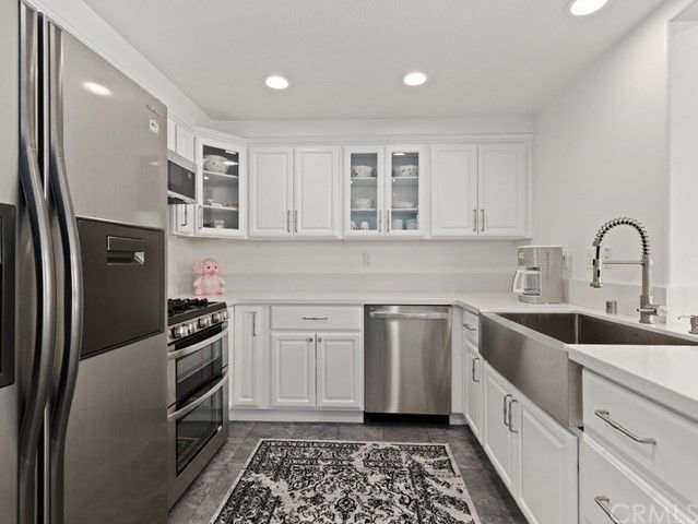 27015 Karns Court #1101 Canyon Country, CA, 91387