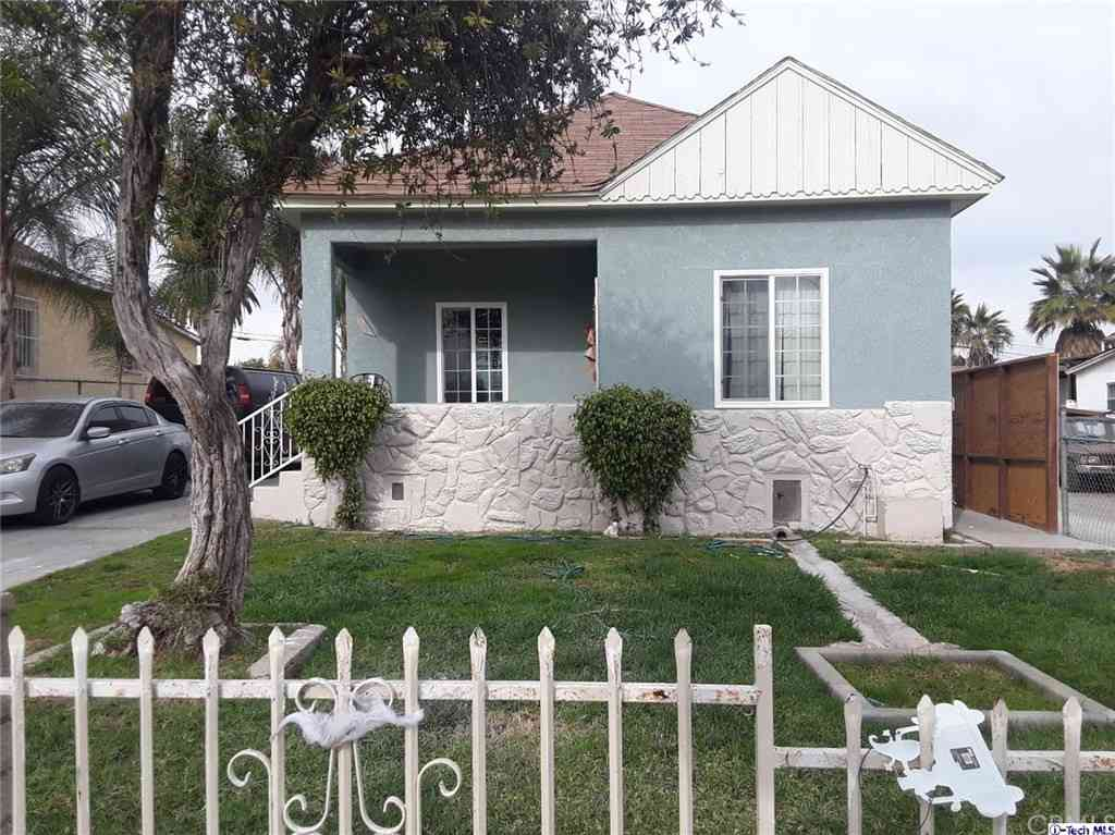 129 E 127th Street, Los Angeles, CA, 90061,