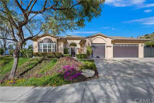 8963 Blackhorse Drive, Santee, CA, 92071,