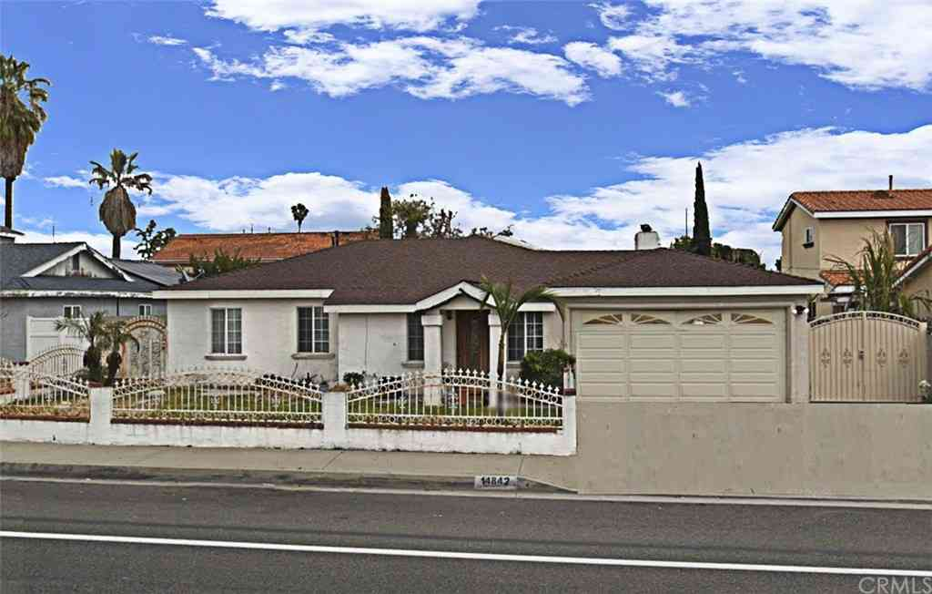 14842 Newland Street, Midway City, CA, 92655,