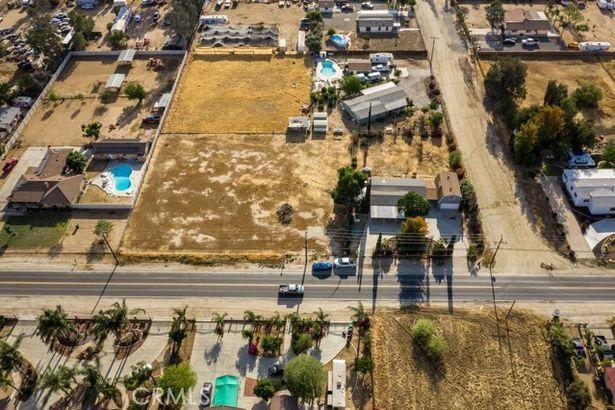 20635 El Nido Avenue