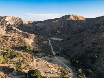 5822 Holser Canyon Road, Castaic, CA, 93040,