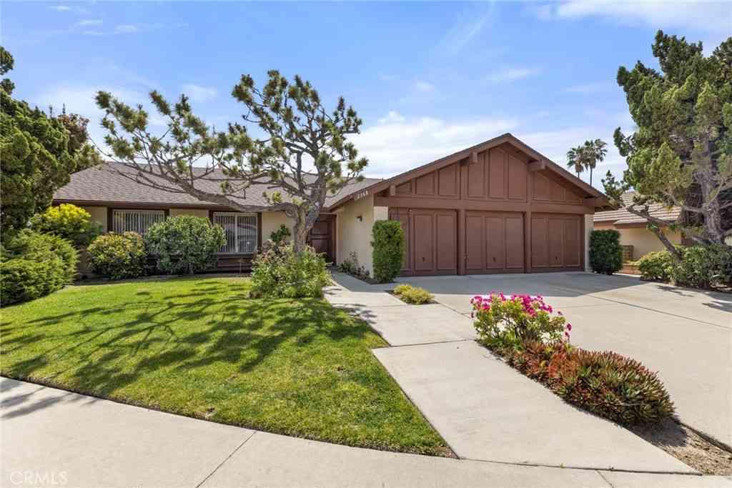 2368 Mesa Verde, Fullerton, CA, 92833,