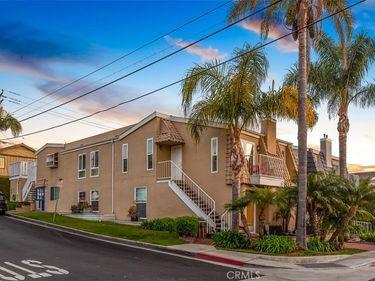 520 Iris Avenue, Corona Del Mar, CA, 92625,