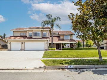 1754 Somerset Lane, Redlands, CA, 92374,