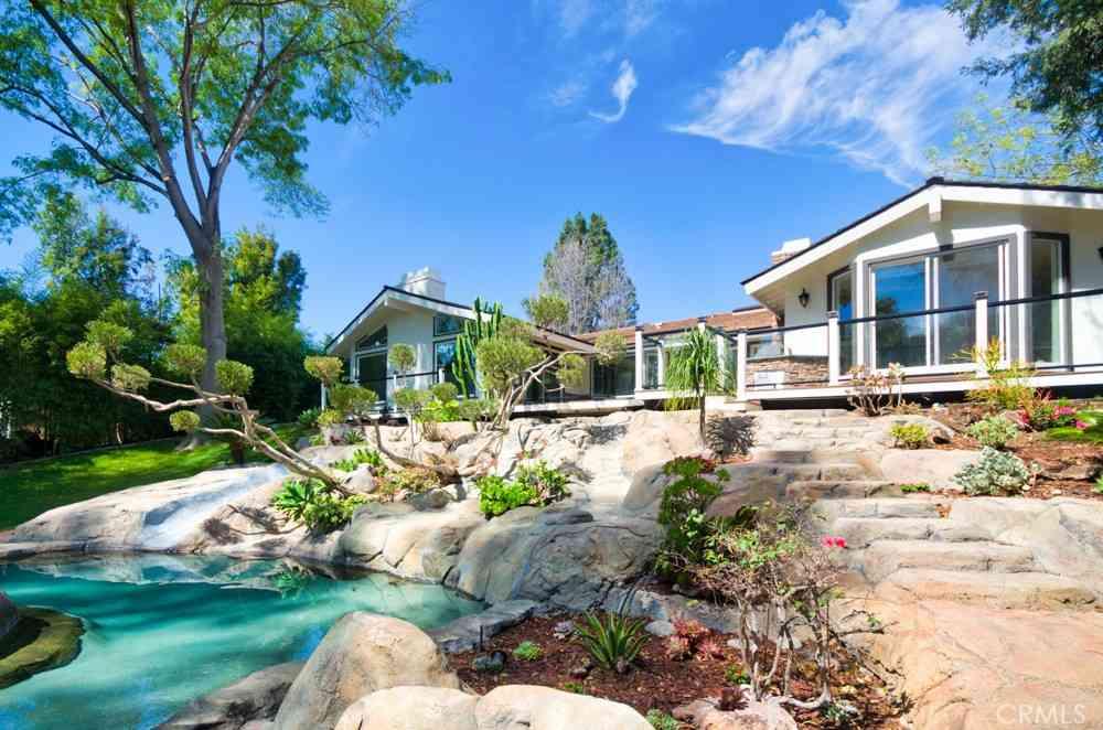 610 Green Acre Drive, Fullerton, CA, 92835,