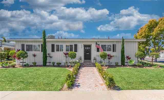 1561 Hackett Avenue, Long Beach, CA, 90815,