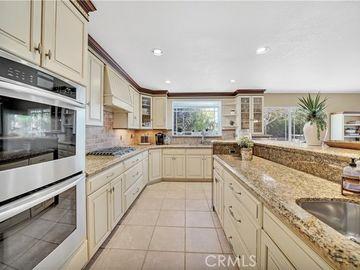 Kitchen, 9813 La Amapola Avenue, Fountain Valley, CA, 92708,