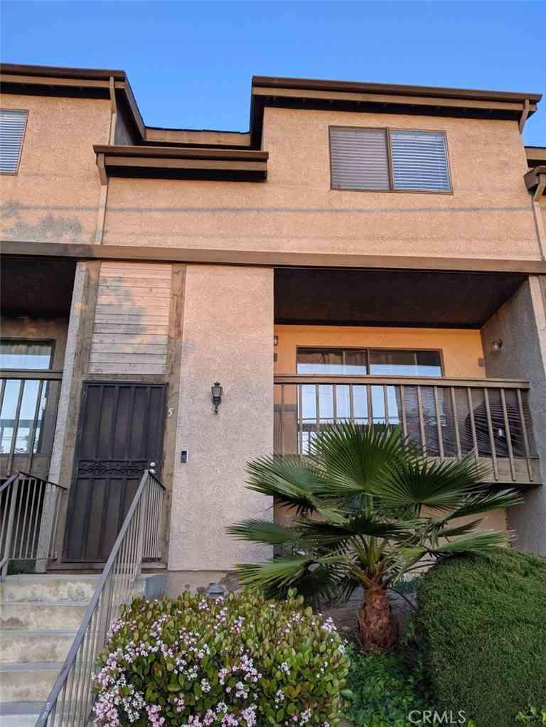 850 W 157th Street #5, Gardena, CA, 90247,