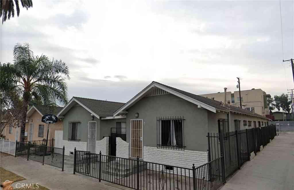 324 E 19th Street, Long Beach, CA, 90806,