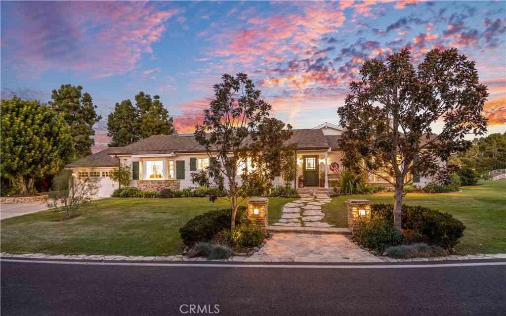 3 Middleridge Lane N, Rolling Hills, CA, 90274,