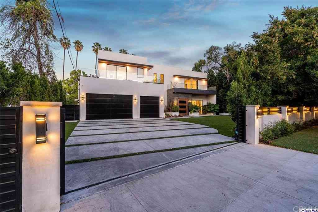 4810 Woodley Avenue, Encino, CA, 91436,
