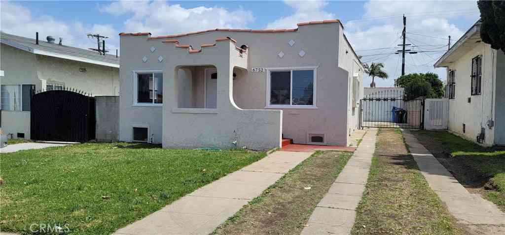 6752 2nd Avenue, Los Angeles, CA, 90043,