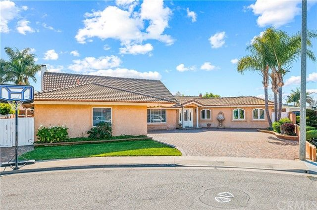 9342 Cliffwood Drive Huntington Beach, CA, 92646