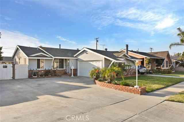 20915 Claretta Avenue, Lakewood, CA, 90715,