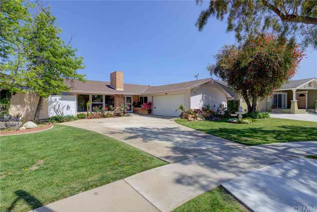 4555 Clubhouse Drive, Lakewood, CA, 90712,