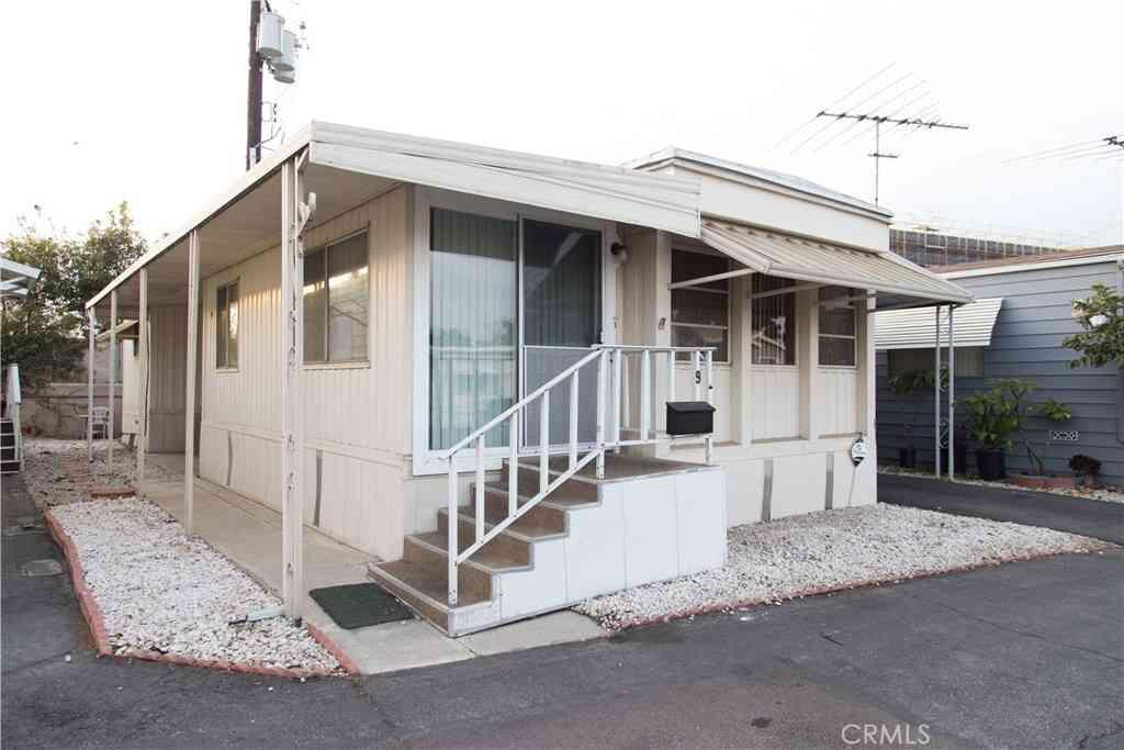 12550 E Carson Street #9, Hawaiian Gardens, CA, 90716,