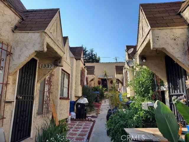 1337 N Alvarado ST, Los Angeles, CA, 90026,