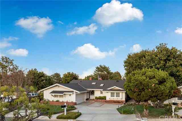 10 Sunnyfield Drive, Rolling Hills Estates, CA, 90274,