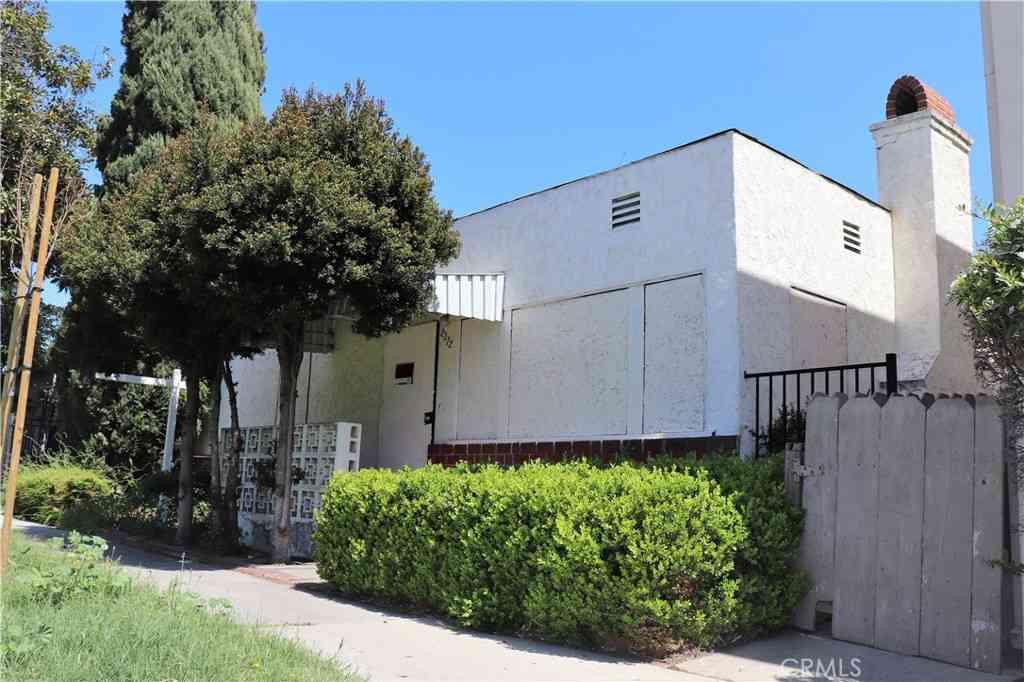 2312 Earl Avenue, Long Beach, CA, 90806,