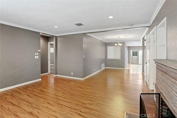 703 W Grafton Place
