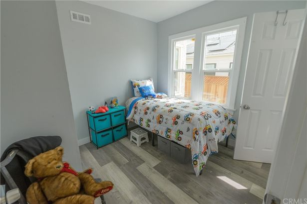 3632 W 59th Place