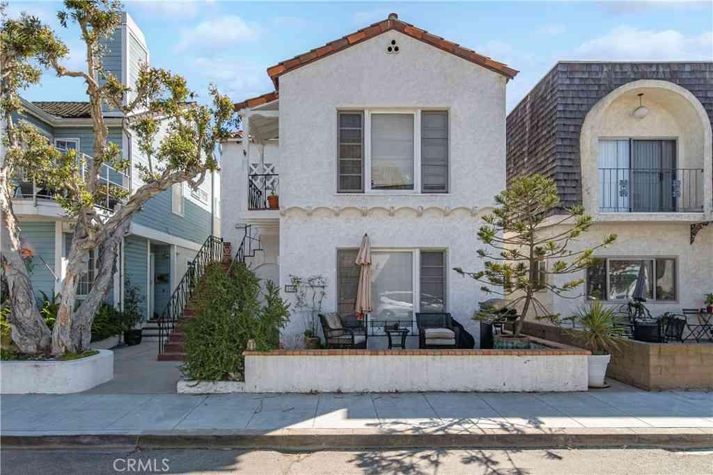 162 N Loreta, Long Beach, CA, 90803,