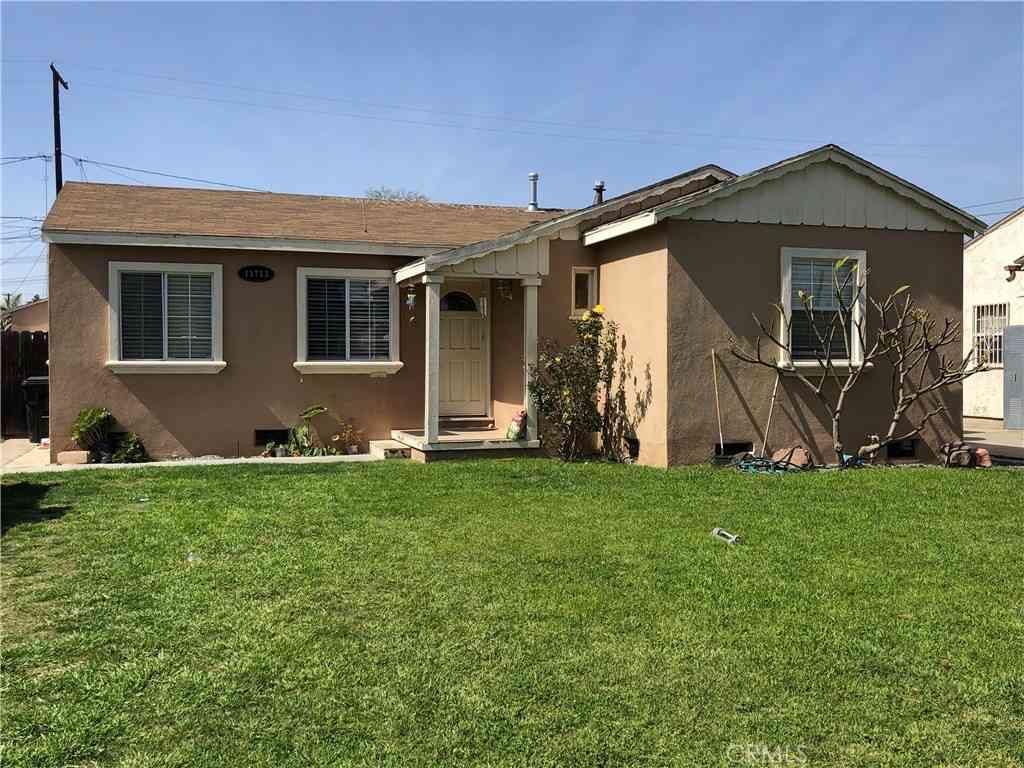 11713 Oklahoma Ave, South Gate, CA, 90280,