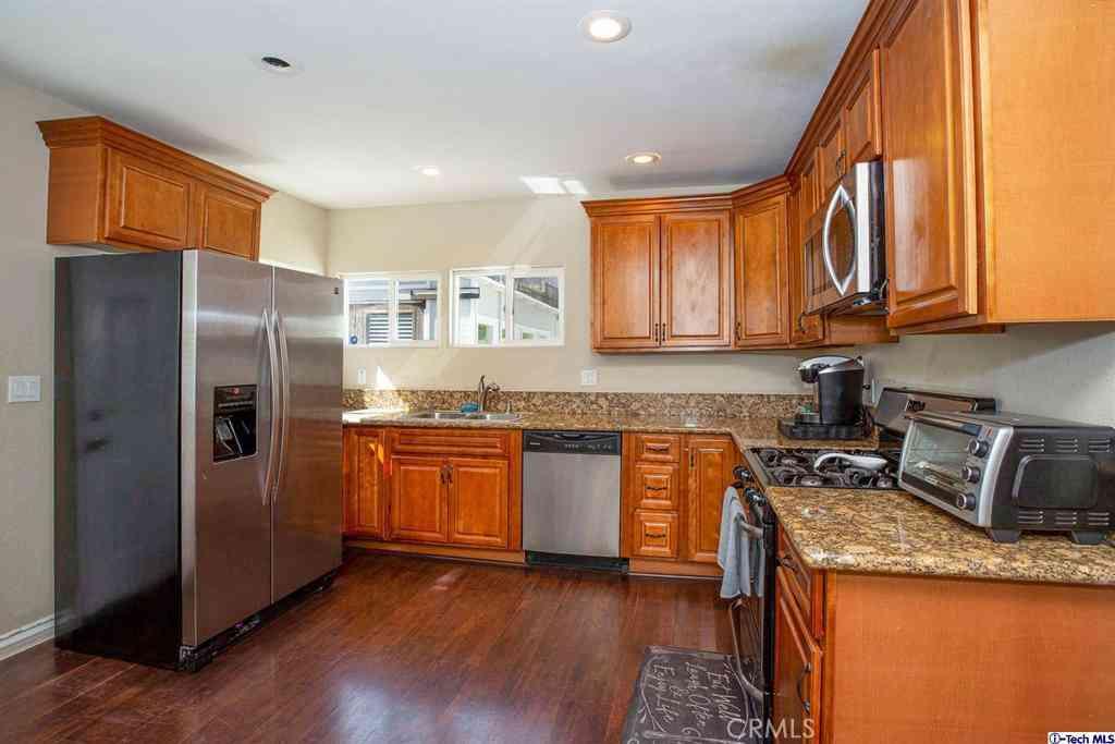 1209 N Chester Avenue, Inglewood, CA, 90302,