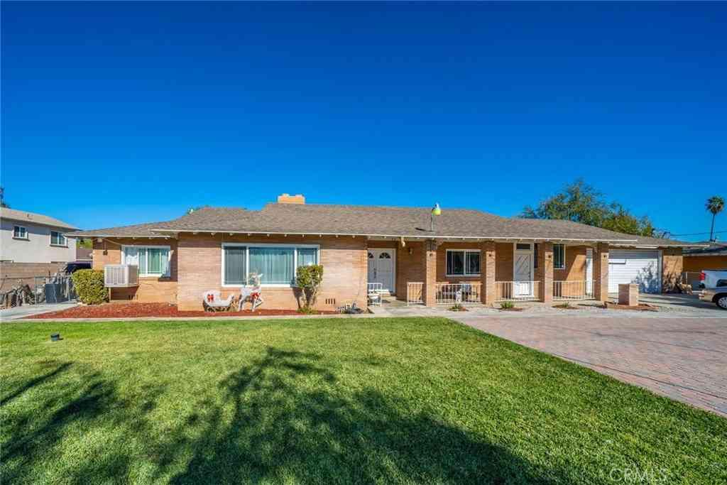 1036 W San Bernardino Avenue, Bloomington, CA, 92316,