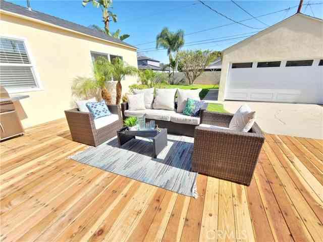 4844 Pepperwood Avenue, Long Beach, CA, 90808,