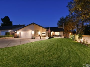 4594 Via De La Plaza, Yorba Linda, CA, 92886,