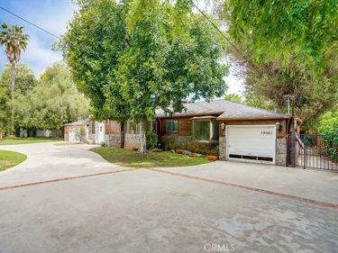 19061 Wells Drive, Tarzana, CA, 91356,