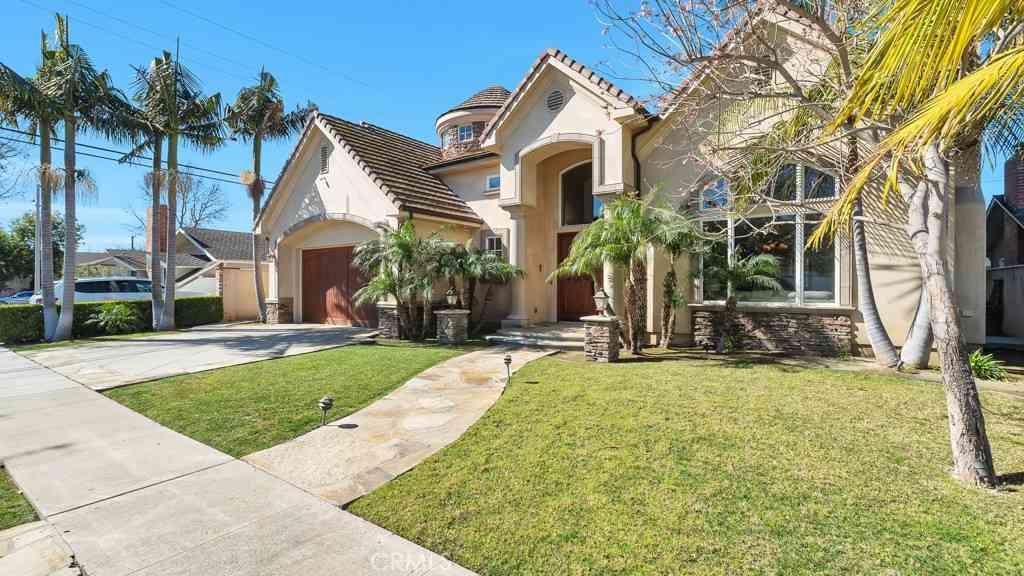 12181 Chianti Drive, Rossmoor, CA, 90720,