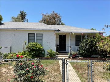8221 Lennox Avenue, Panorama City, CA, 91402,