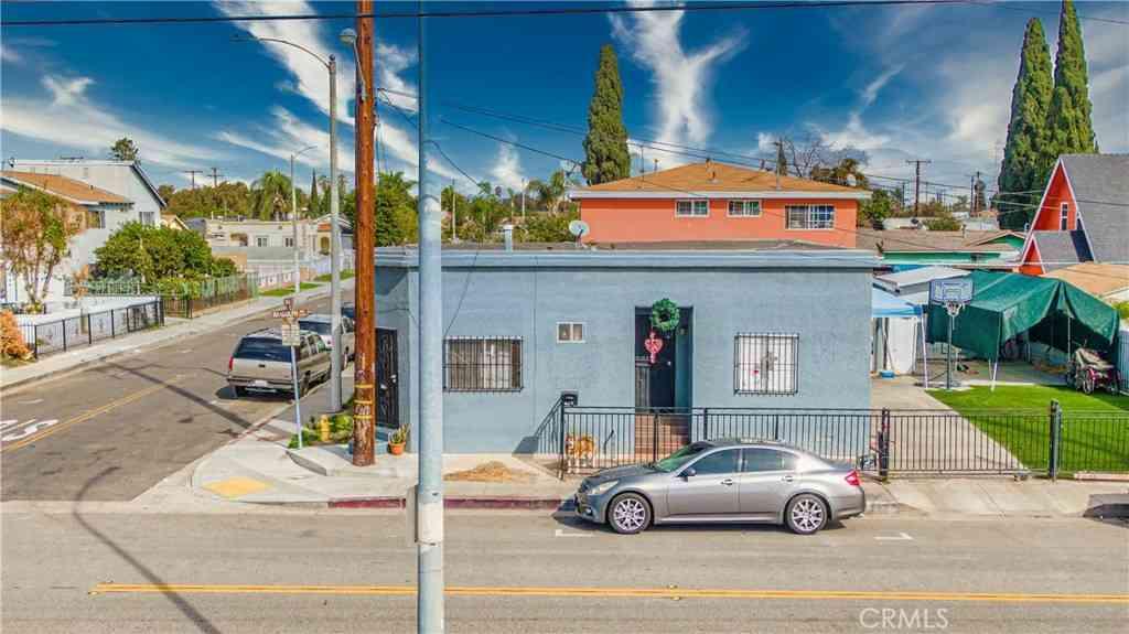 5101 Randolph Street, Maywood, CA, 90270,