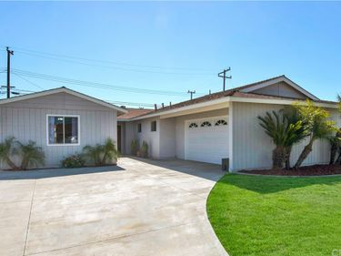 16322 HOWLAND Lane, Huntington Beach, CA, 92647,