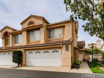 98 Almador #204, Irvine, CA, 92614,
