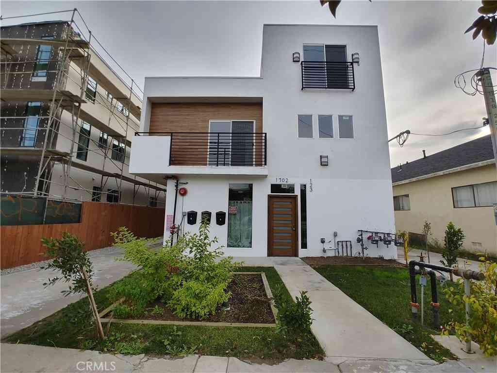 1704 W Jefferson Boulevard, Los Angeles, CA, 90018,