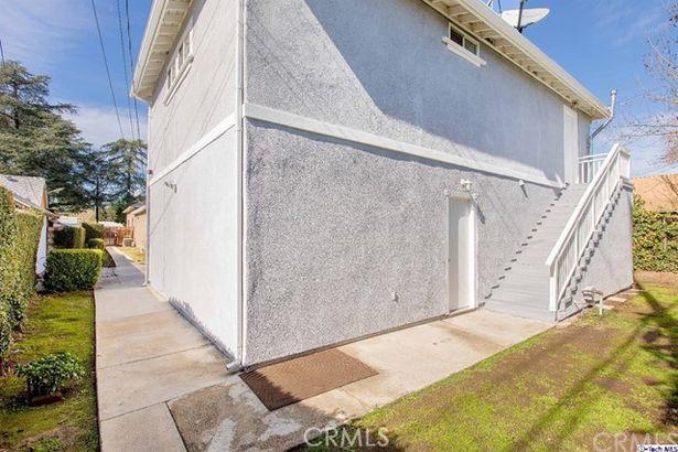 2076 El Sereno Avenue