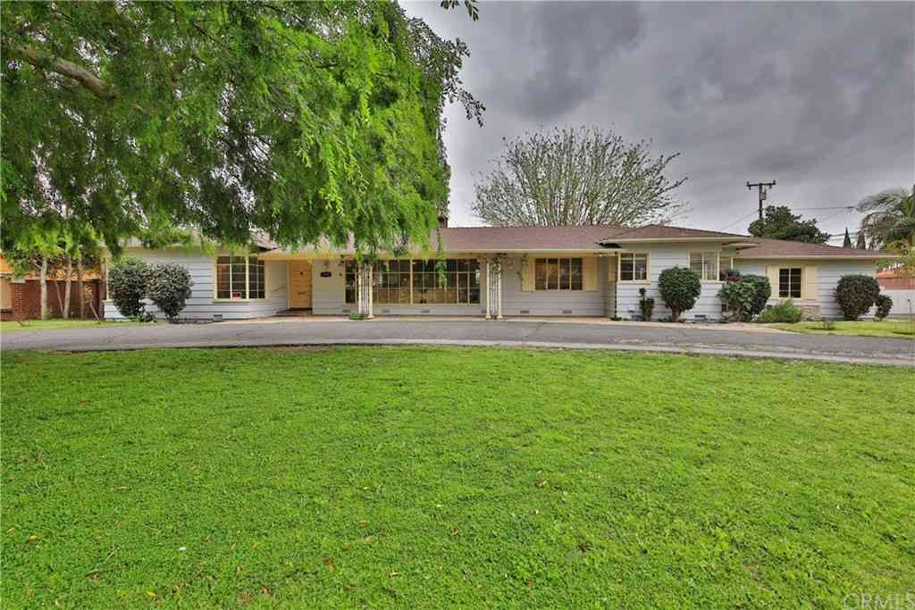 9620 Florence Avenue, Downey, CA, 90240,
