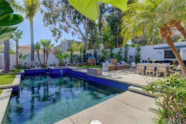 1550 11th Street, Manhattan Beach, CA, 90266,