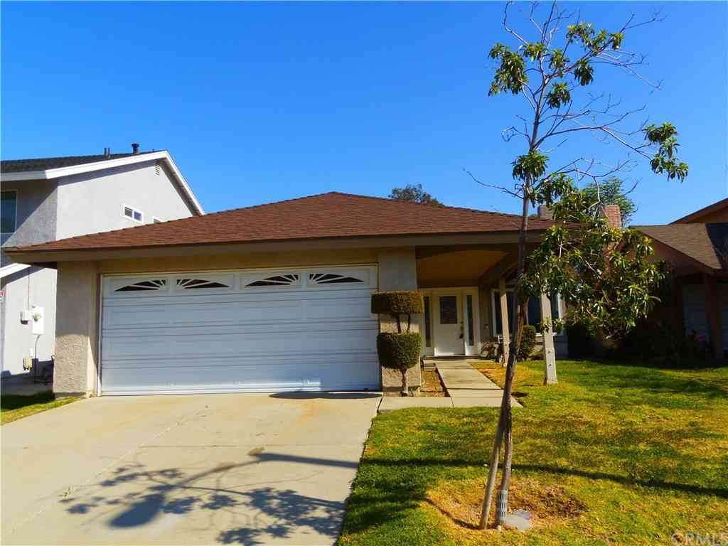 5459 E Village Drive, Commerce, CA, 90040,