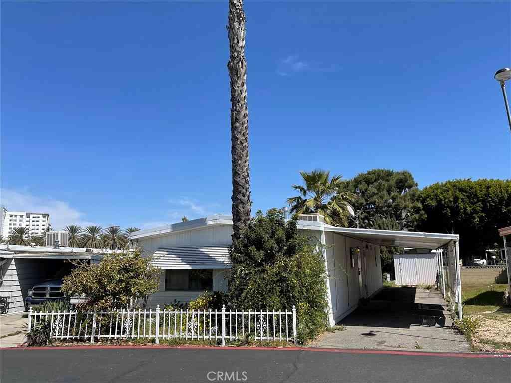 1844 S Haster St, Spc 92, Anaheim, CA, 92802,