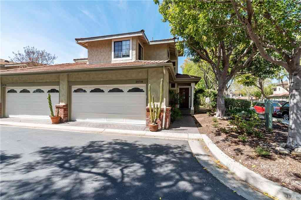 29718 Strawberry Hill Drive, Agoura Hills, CA, 91301,
