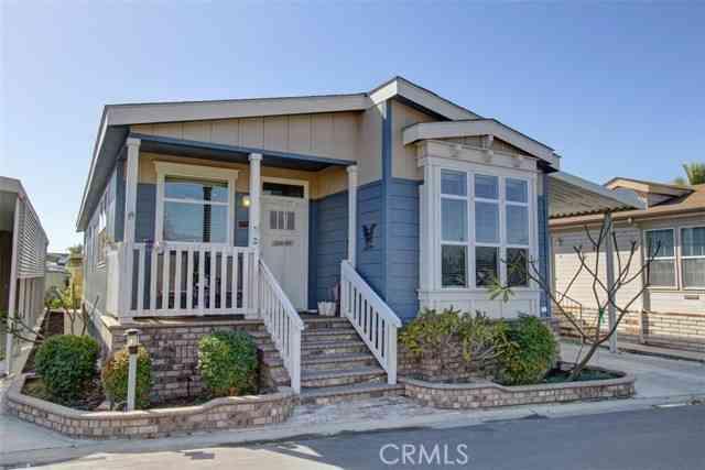 10681 Oak Street #92, Los Alamitos, CA, 90720,